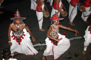 Kandy_dancers