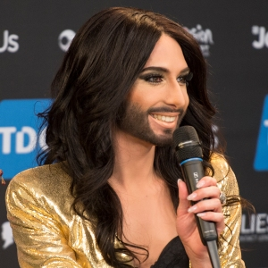 Conchita_Wurst,_ESC2014_Meet_&_Greet_08_(crop)